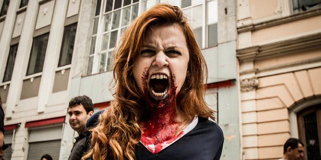 Zombie Cheerleader / Zombie Walk 2012