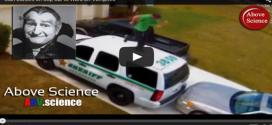 Man dances on Sheriff's car to escape the Florida Fanger